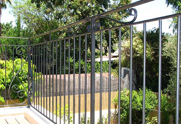 גדר לבית גדר ברזל